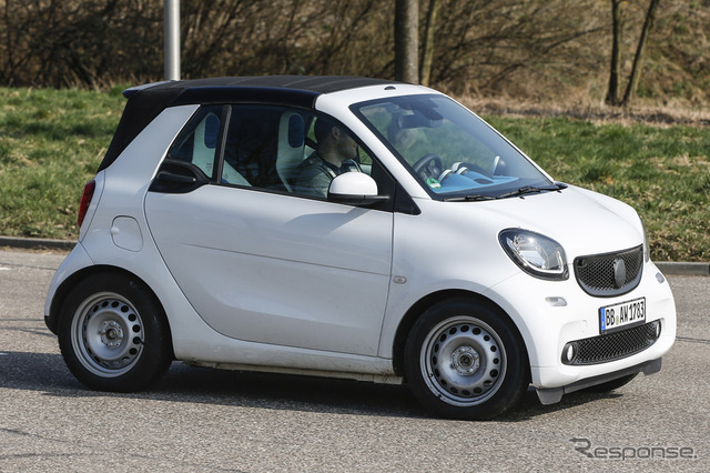 Smart Fortwo Cabrio scoop photos