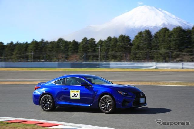 Lexus F van Maik driving lessons
