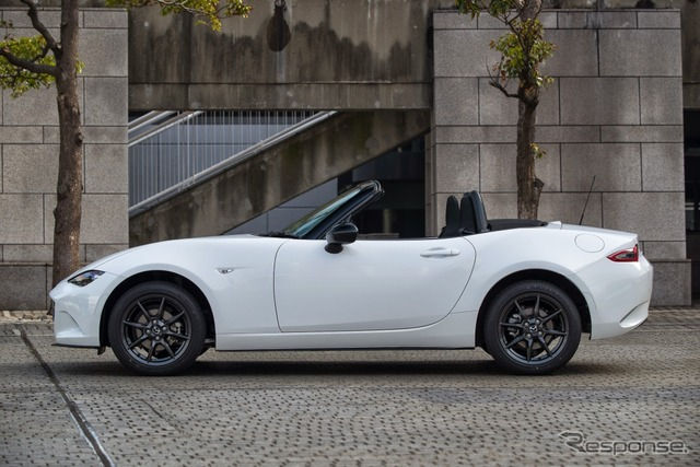 Mazda Roadster new model (production prototype car)