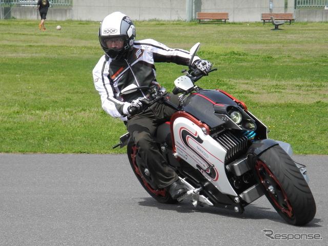 """دراجة نارية الكهربائية """"زيكو"""""""