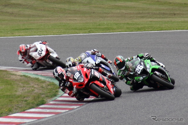 Beginning from battle of the incandescent 4 manufacturer's top riders