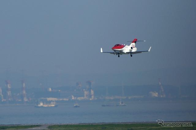 4/23 2:30 PM, Honda Jet approach C, Haneda Airport runways (RW34R)