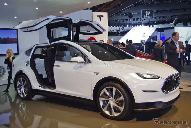 نموذج تسلا × (13 معرض ديترويت للسيارات)