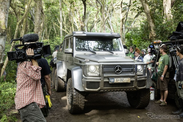 Appointed to the Jurassic world Mercedes G63 AMG 6 × 6
