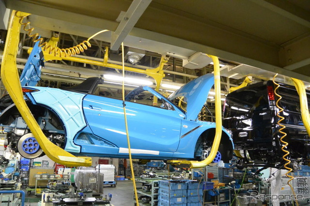 Production line for the Honda S660.