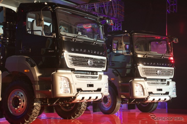 Daimler truk Asia, baru truk besar disajikan