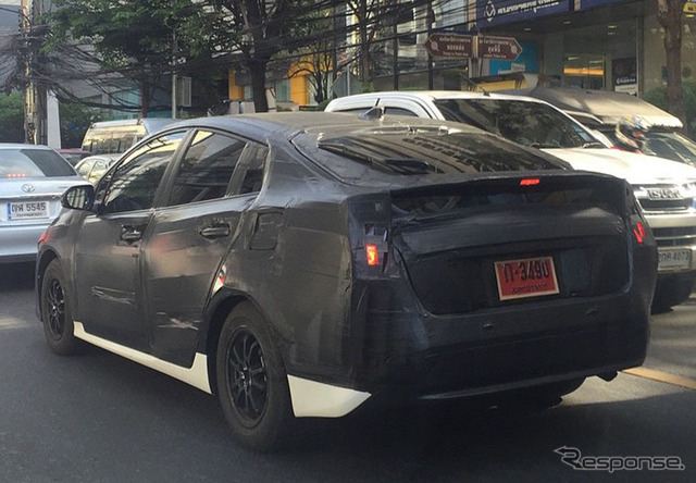 Scooped photo of the new Toyota Prius