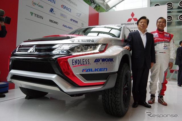 Mitsubishi Outlander PHEV Baja Portalegre 500 vehicle. Driver and team captain Hiroshie Masuoka (right)