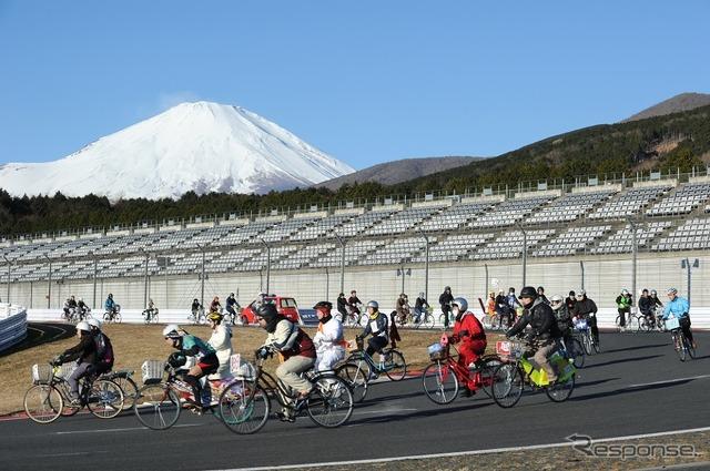 ทีมญี่ปุ่นชารี Grand Prix 7 ชั่วโมงความอดทนของยายจักรยานชิงแชมป์โลก