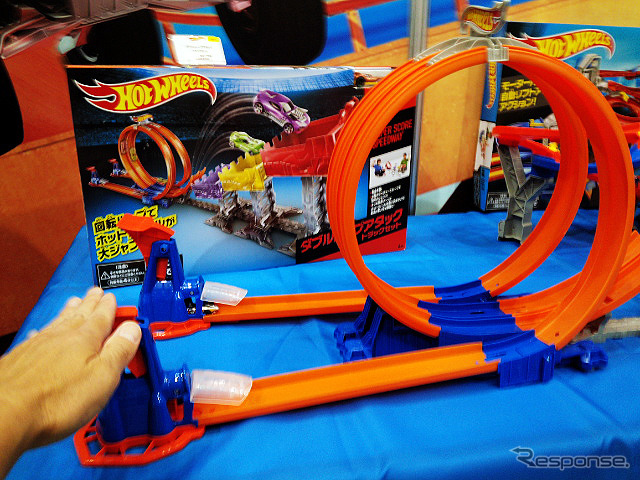 "Hot wheels, or enjoy the ""new course"" was exhibited (by 2015 Tokyo toy show)"