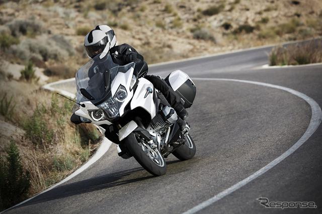สีขาว BMW R1200RT อัลพิน
