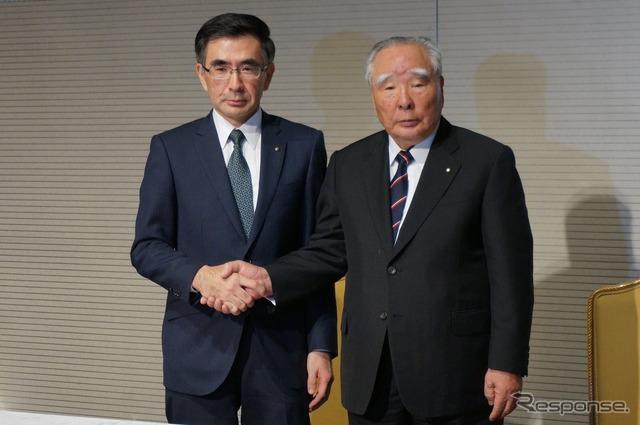 President Toshihiro Suzuki (left) and Chairman Osamu Suzuki (right)
