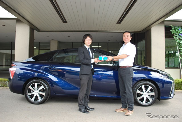 "JARI Tsukuba research laboratory to fuel cell vehicles were delivered ""MIRAI"""