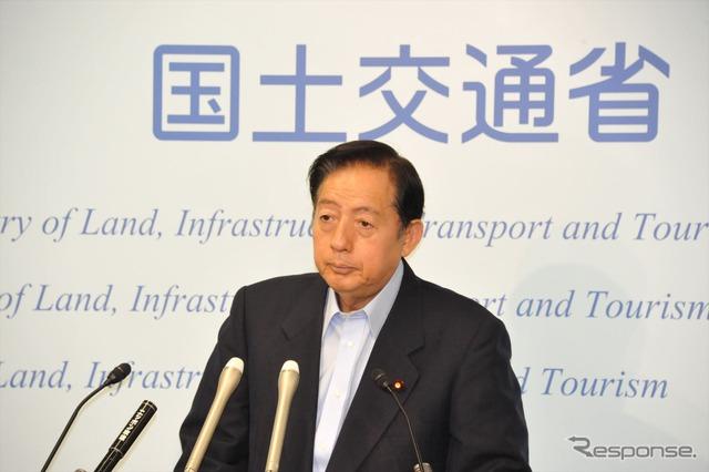 Transport Minister Akihiro OTA (31)