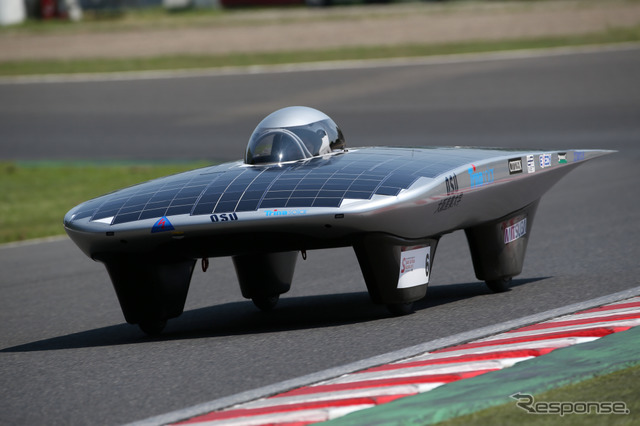 Defending champion Osaka Sangyo University's 8/1, was held at the Suzuka circuit solar car race