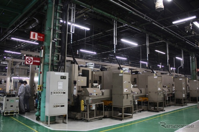 Transmission case processing line up on the machining center That case was coined within the machine complete parts