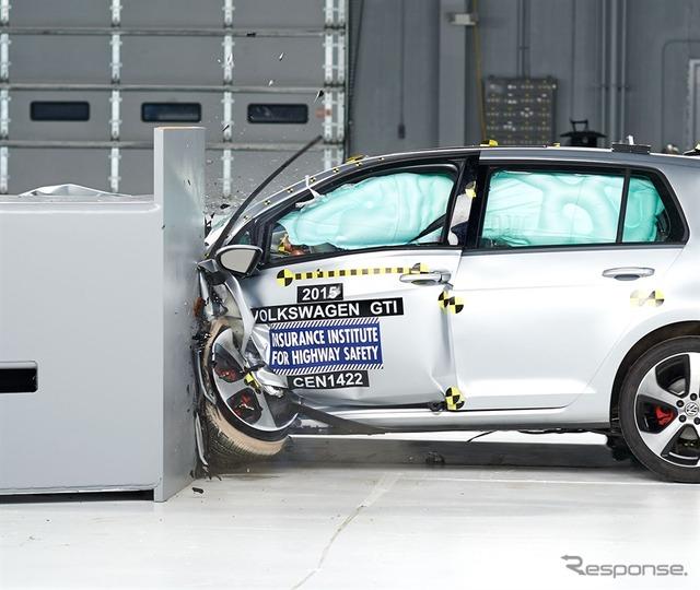 VW Golf U.S. IIHS crash test