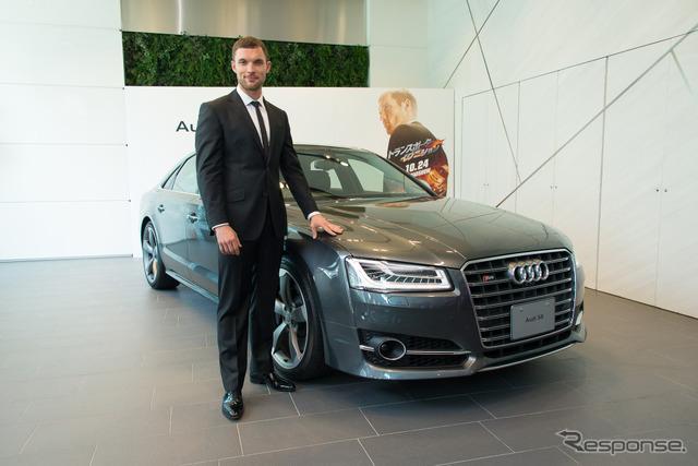 นาย Ed Scram และ Audi S8 ใหม่