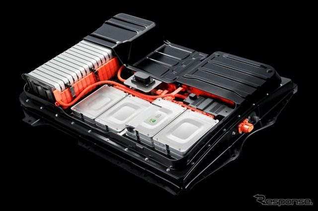 Lithium-ion battery on the Nissan Leaf