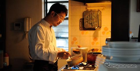 Tomonori Yoshida chef