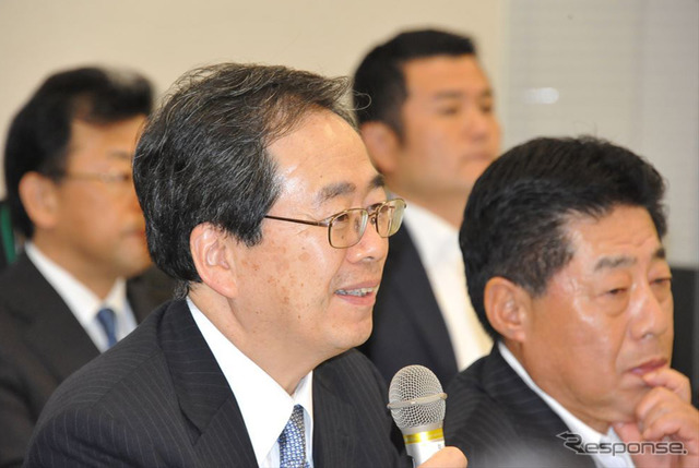 New komeito party control Committee Chairman in the same motorcycle deputies Association Vice Chairman, Saito Tetsuo diet (Central)