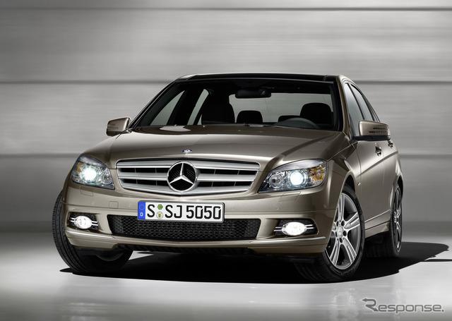 Its predecessor was the Mercedes-Benz C-class sedan