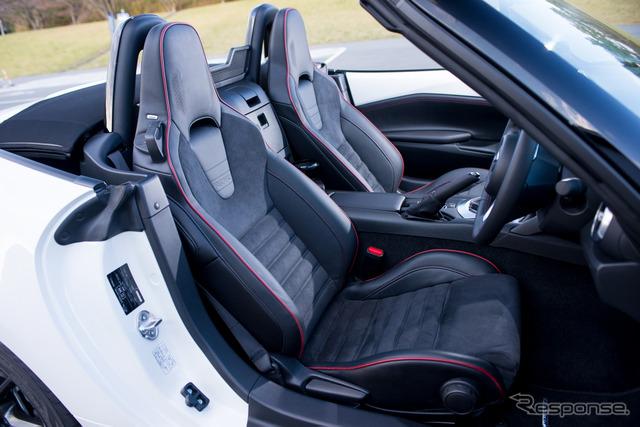 A Recaro Mazda Roadster RS