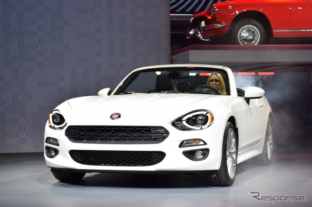 New Fiat 124 Spider (Los Angeles motor show 15)