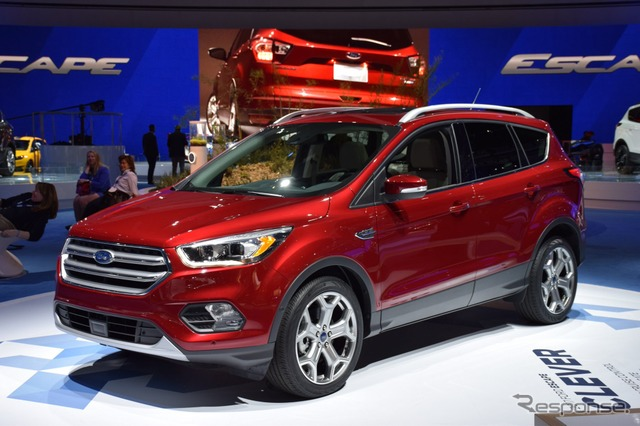 New Ford escape (Los Angeles motor show 15)