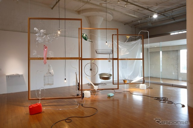 Yuko Mohri <Moré Moré (Leaky): The Falling Water Given #1-3>  2015 Scene of Nissan Art Award 2015 exhibit (Photo by Keizo Kioku)