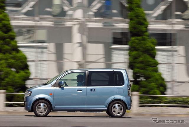 "[Impl ' 06] จำเป็น "" Matsushita h. Mitsubishi eK wagon' อักขระได้"