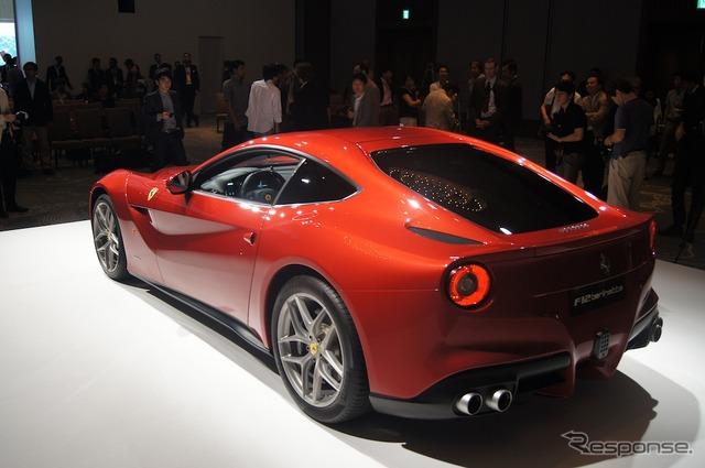 フェラーリ・F12ベルリネッタの画像 p1_9
