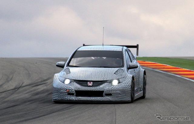 スペインで初テストを行ったホンダ シビック WTCC の2014年モデル