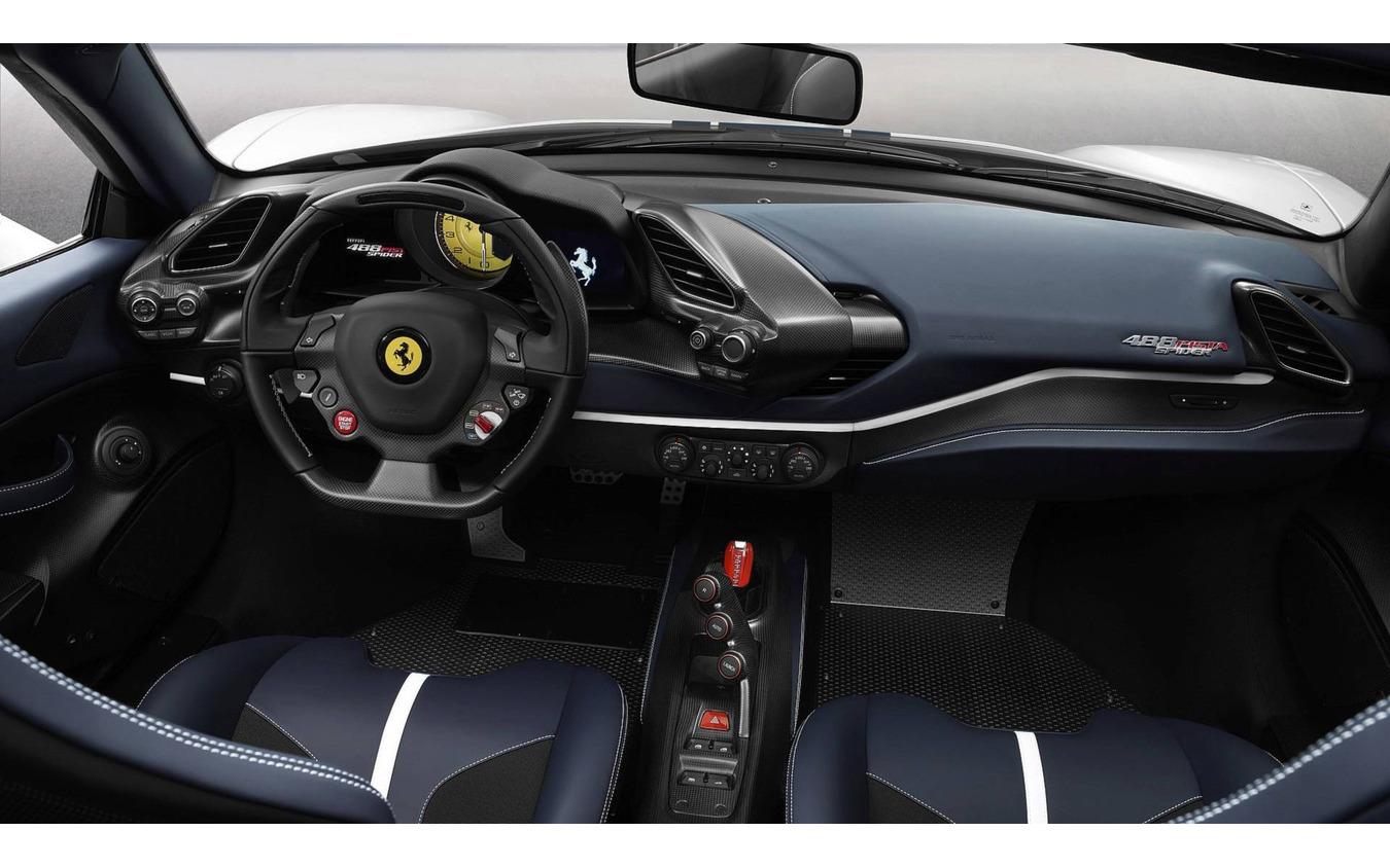 フェラーリ488ピスタスパイダー