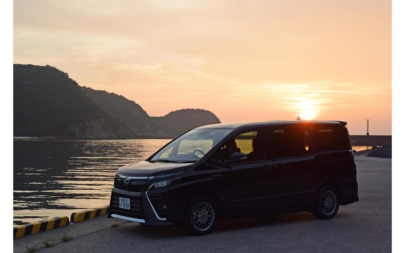 島根・温泉津にて夕日を眺める。