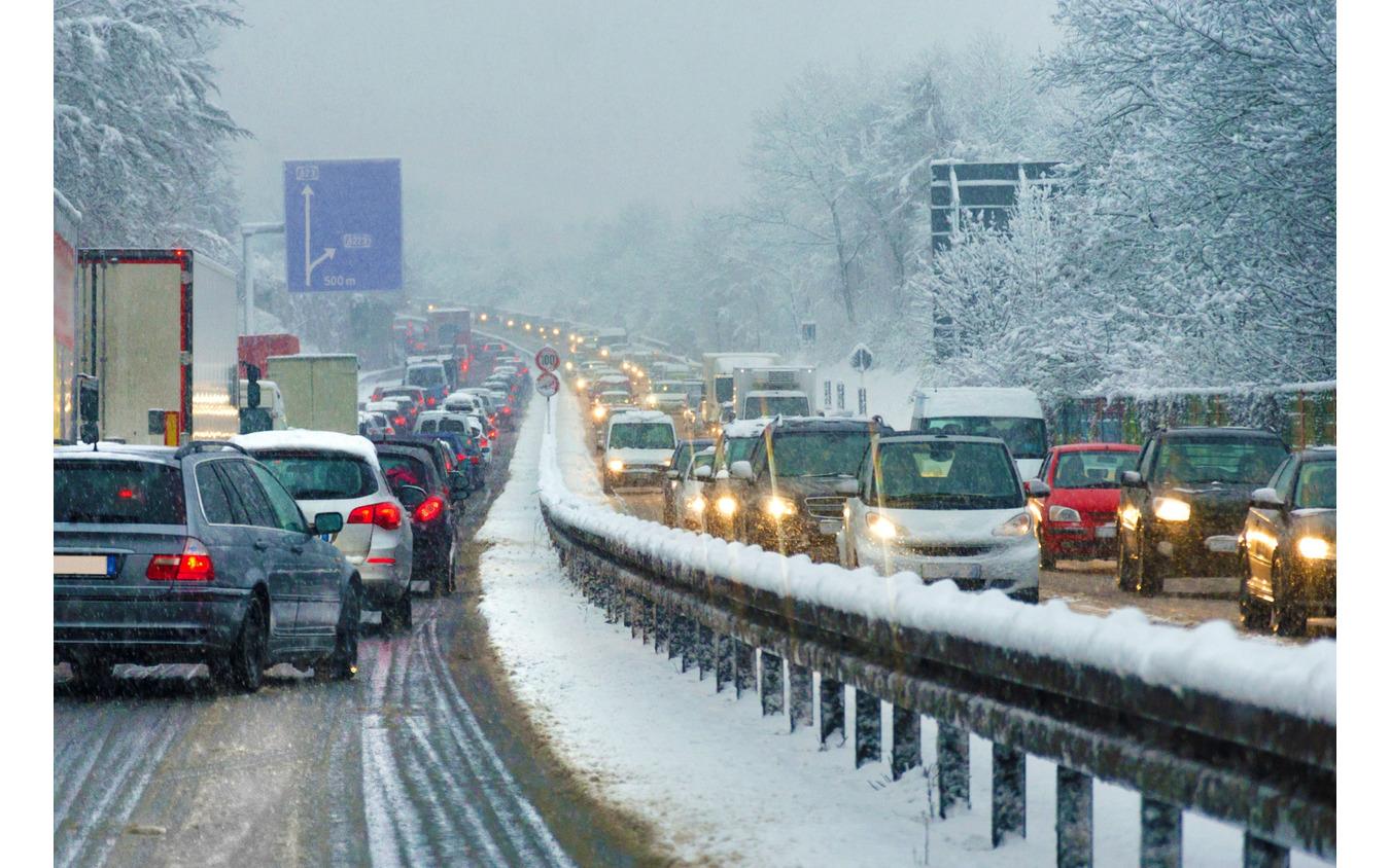 高速道路での降雪