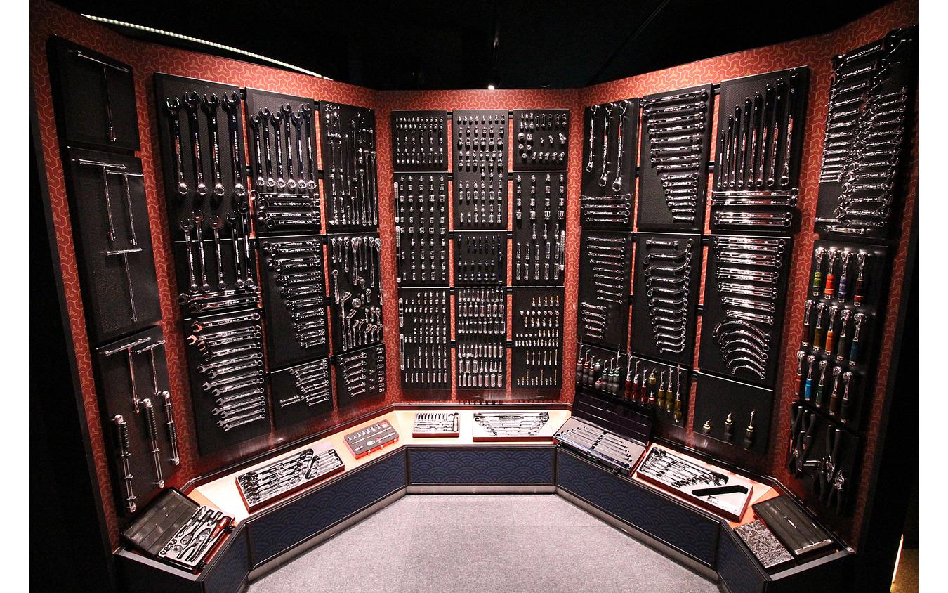 現在発売されている工具の大半が展示され圧巻な風景