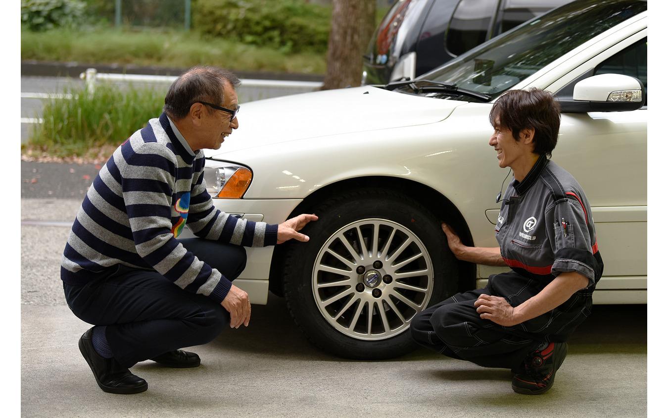 【ネクセンタイヤ Nブルー 4シーズン】オールシーズンタイヤを試す…こもだきよし 横浜にあるGTNET車検センター横浜都筑の日野さん(右)