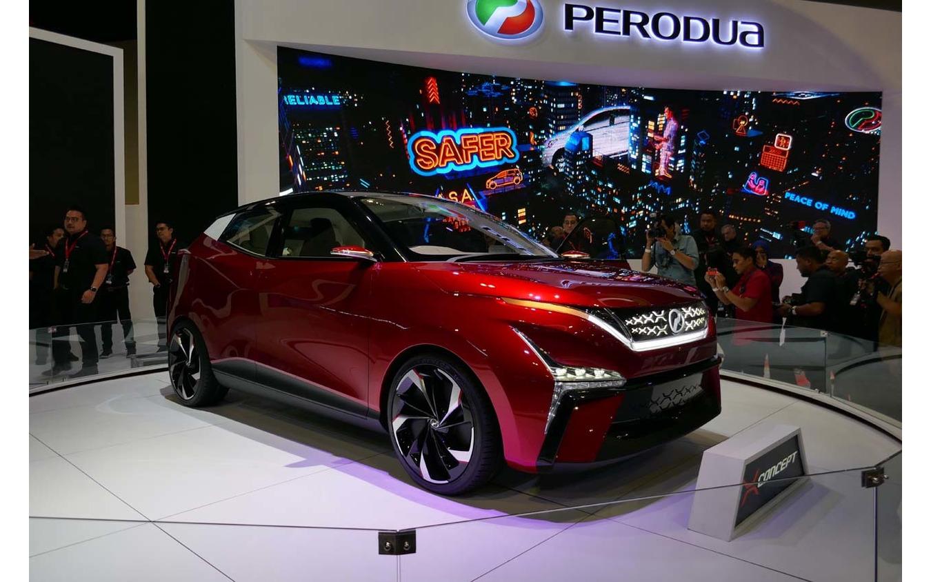 プロドゥアが出展したX-concept。
