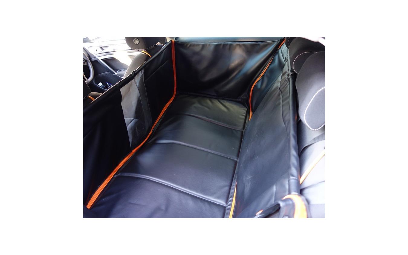 VWの純正ペット専用汎用大型フラットベッド「フラットベッドエクスクルーシブ」