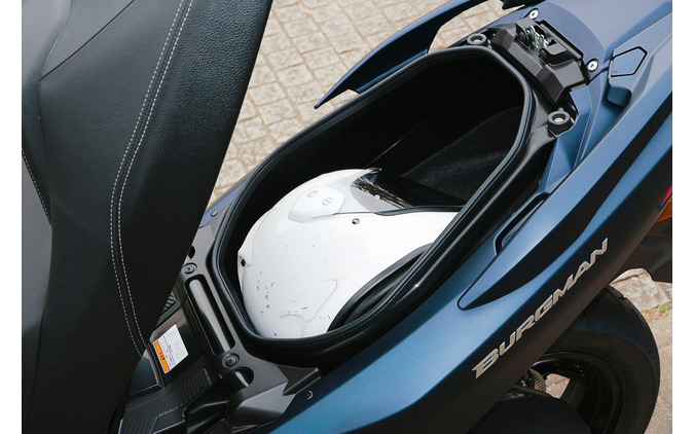 スズキ バーグマン400 ABS