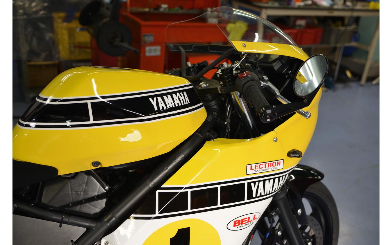 GG Retorofitz社が販売するキットを装着したヤマハ YZF-R25
