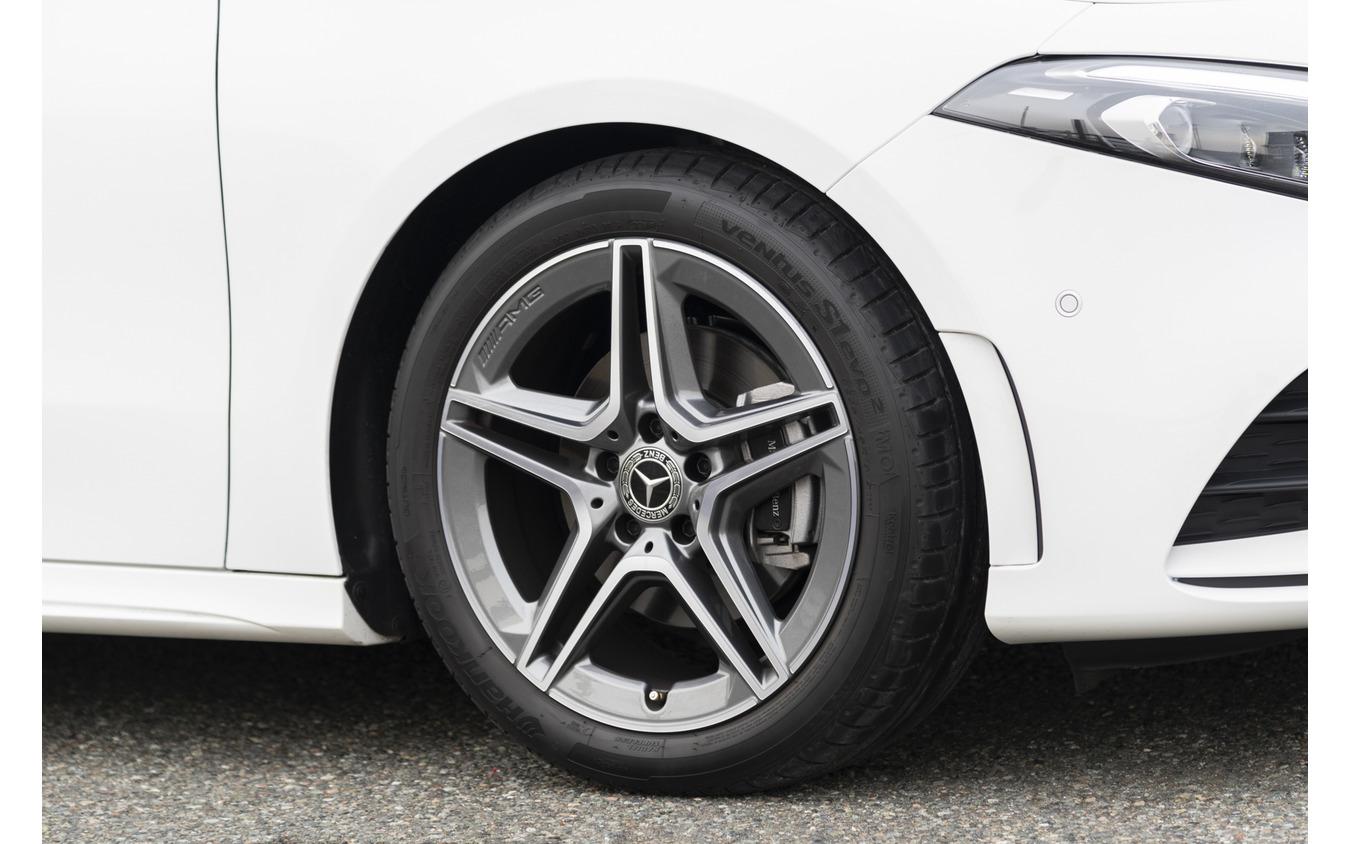 メルセデスベンツ Aクラス 新型(A180 スタイル AMGライン装着車)