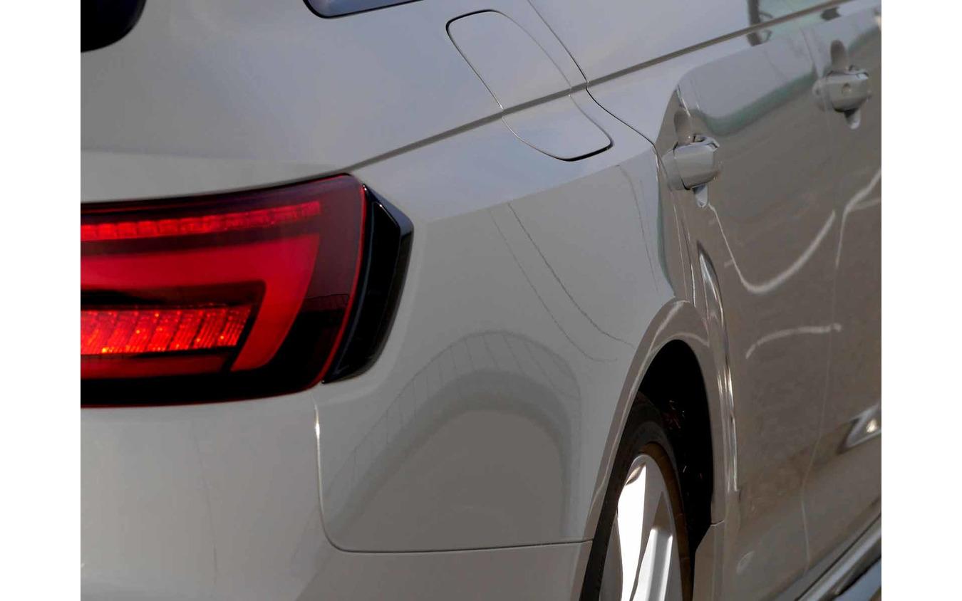 アウディ RS4アバント 新型