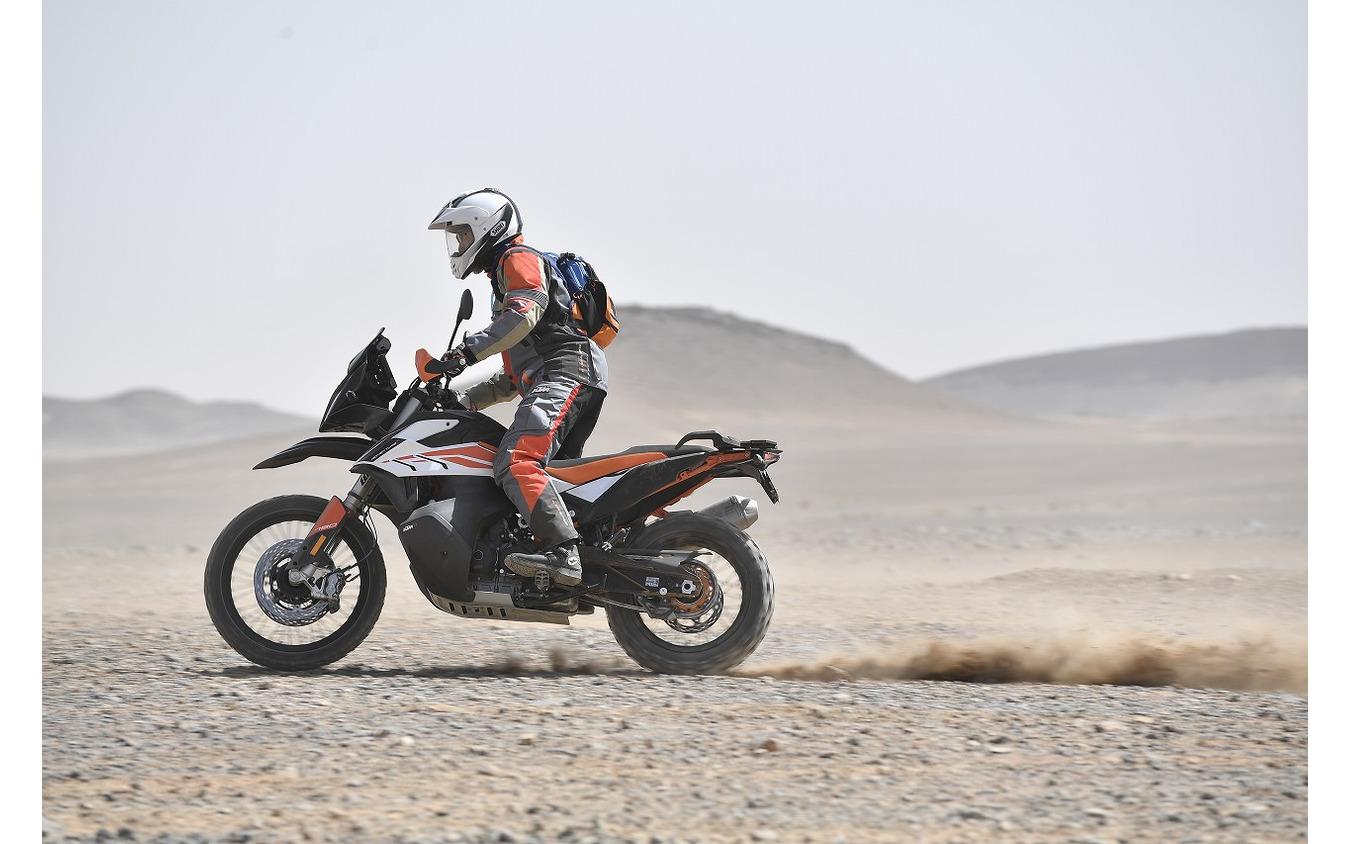 【KTM 790アドベンチャーR 海外試乗】「ガチ」のオフロードでわかったガチすぎる実力…佐川健太郎