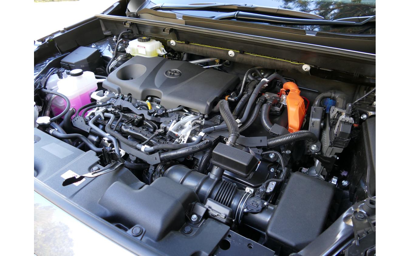トヨタ RAV4 HYBRID G