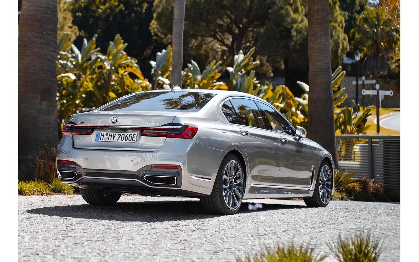 BMW 7シリーズ 新型(745Le xDrive)