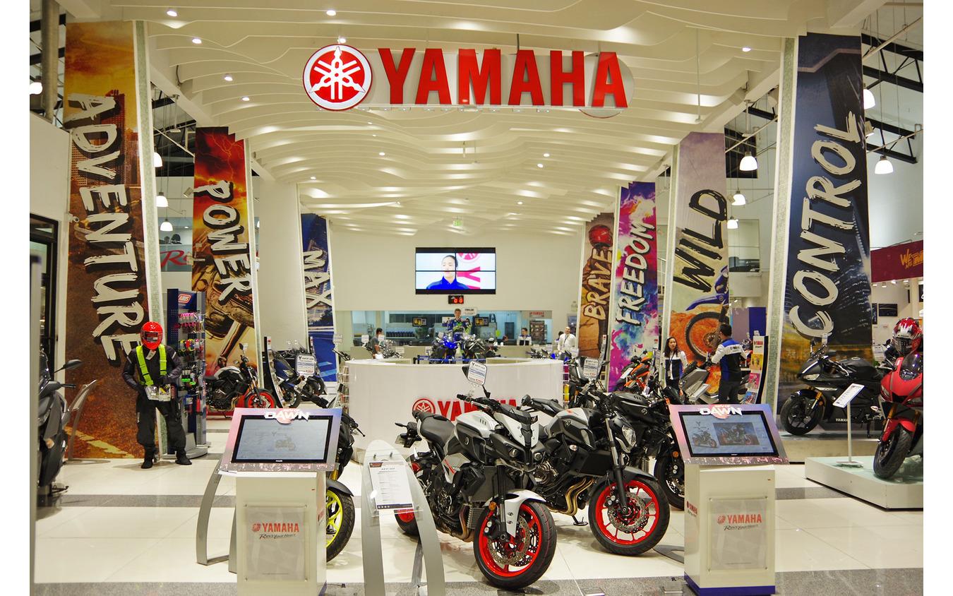 フィリピン・マニラ中心部にあるヤマハ直営店「YZONE」。アジアの中でも最大規模の店舗だ