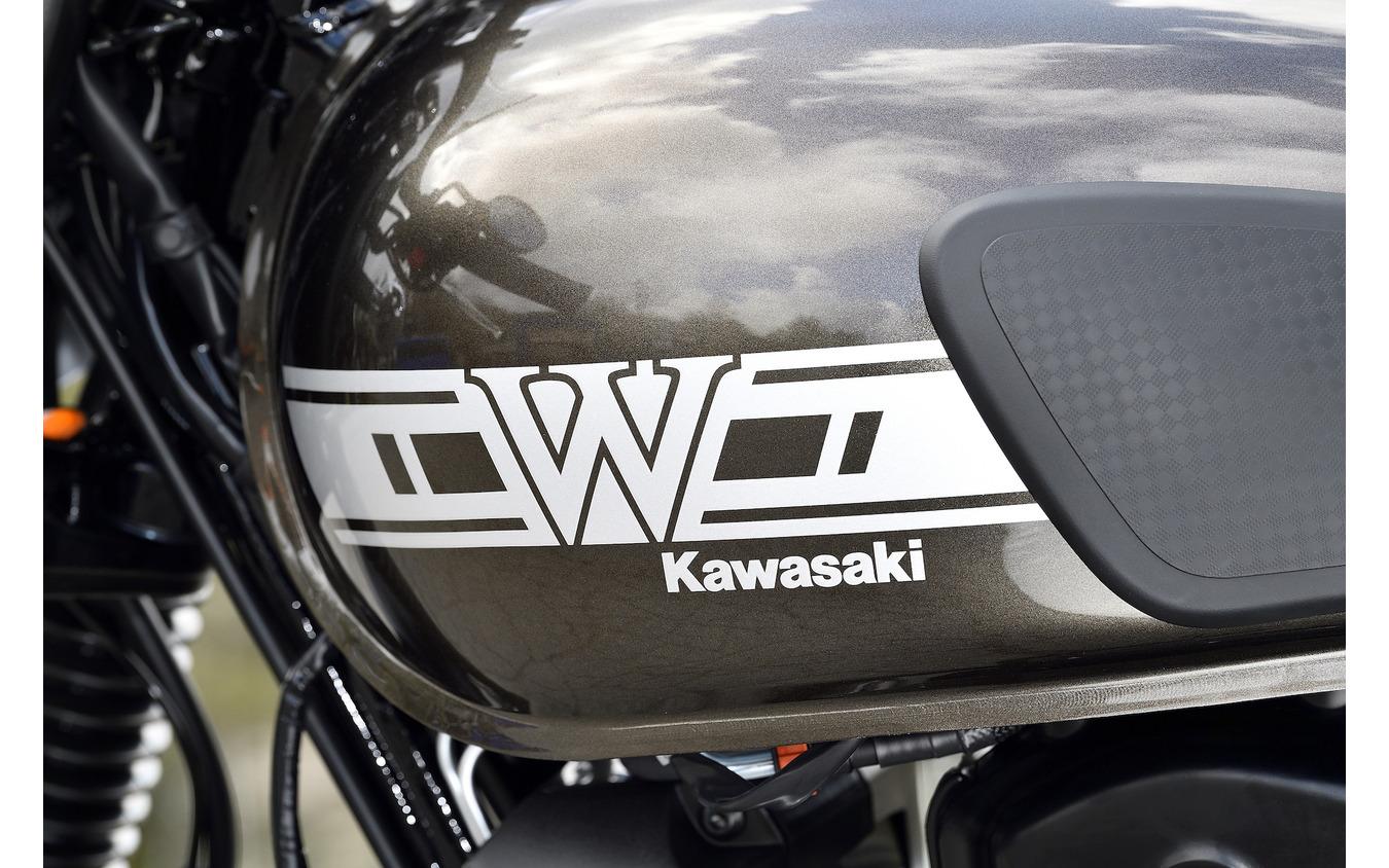カワサキ W800 CAFE