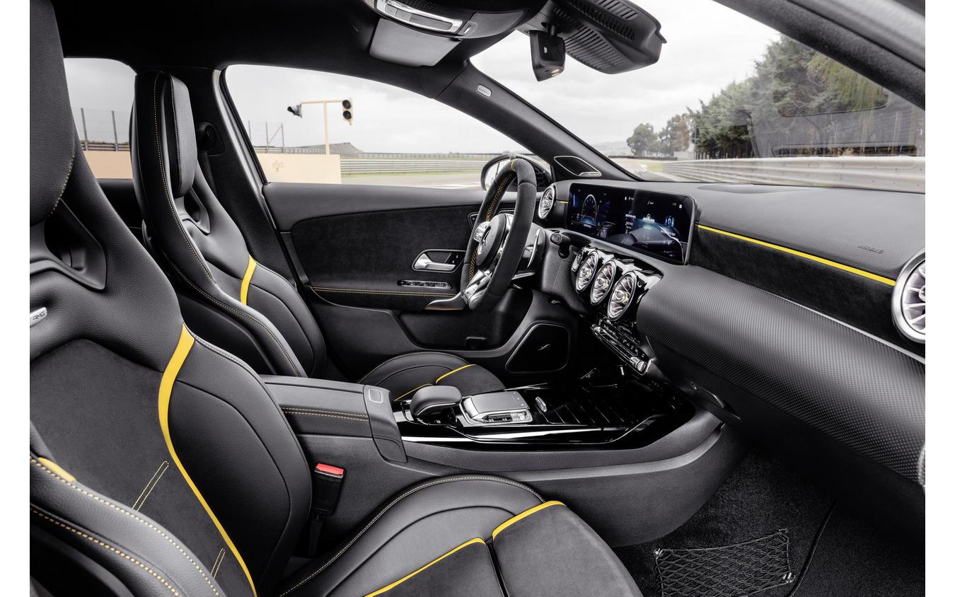 メルセデスAMG A45 S 4MATIC+ 新型